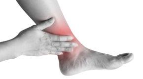 Uraz stawu skokowego – jak złagodzić ból?